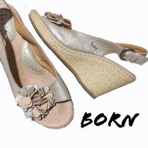 Sassy Born Silver Tan Wedge Heels SZ 9